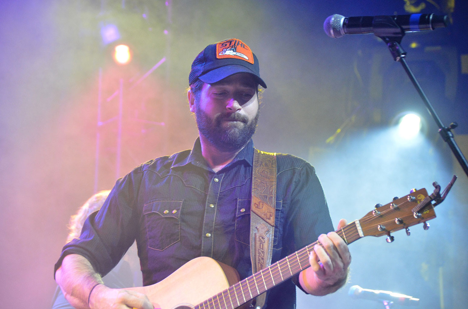 Josh Thompson Hits #1 on Billboard Country Songwriters Chart